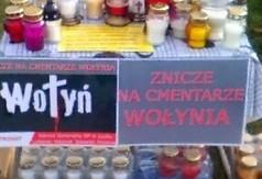 Na zdjęciu znicze, które zostały zebrane podczas kraśnickiej akcji Znicze dla Wołynia. (link otworzy duże zdjęcie)