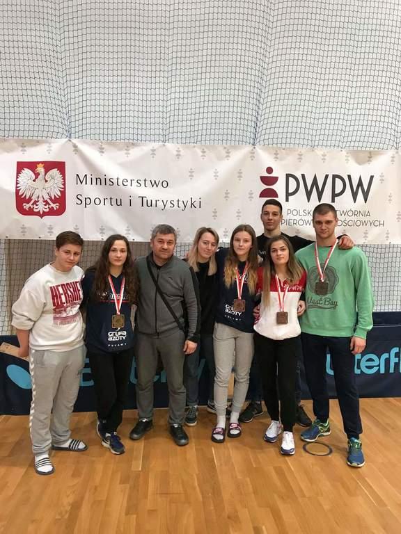 Drużyna Suplesu wraz z trenerem Yaroslavem Kozakiem (link otworzy duże zdjęcie)