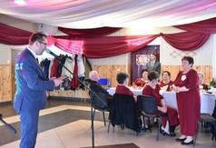 Na zdjęciu Wicestarosta Kraśnicki Karol Rychlewski przemawiający podczas 15-lecia działalności Klubu