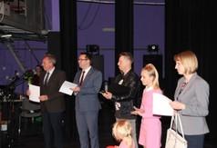 Na zdjęciu od lewej Dyrektor Centrum Kultury i Promocji Wojciech Gołoś, Wicestarosta Kraśnicki Karol