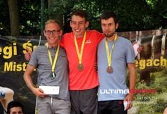 Medaliści Mistrzostw Polski. Pierwszy z prawej - Michał Biały (link otworzy duże zdjęcie)