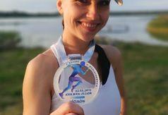 Magda z medalem (link otworzy duże zdjęcie)