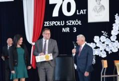 70 -lecie ZS nr 3 w Kraśniku. Na zdjęciu Dyrektor ZS nr 3 w Kraśniku Aneta Jabłońska -Ośka, Wi
