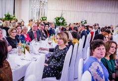 Uczestnicy powiatowych obchodów Dnia Edukacji Narodowej (link otworzy duże zdjęcie)