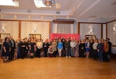 Zdjęcie grupowe ze spotkania Pracowników i Animatorów Kultury z terenu Powiatu Kraśnickiego.