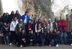 Na zdjęciu uczniowie klas pierwszych z ZS nr 2 w Kraśniku oraz ze szkół partnerskich z Grecji, W