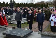 Przedstawiciele władz powiatowych oraz mieszkańcy Oddali hołd ofiarom pacyfikacji wsi Szczecyn i Boró
