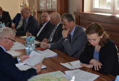 Spotkanie władz powiatu z wójtami i burmistrzami dotyczące inwestycji drogowych