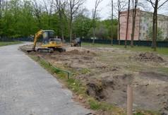 Teren budowy boiska wielofunkcyjnego przy ZS nr 3 w Kraśniku. (link otworzy duże zdjęcie)