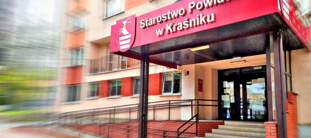 Grafika - Budynek Starostwa Powiatowego w Kraśniku (link otworzy duże zdjęcie)