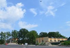 Boisko wielofunkcyjne przy Zespole Szkół numer 3 w Kraśniku (link otworzy duże zdjęcie)