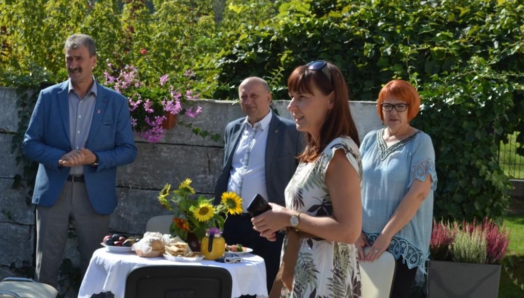 Katarzyna Skorupa Dyrektor Domu Pomocy Społecznej w Kraśniku, Wicestarosta Kraśnicki Andrzej Cie� (link otworzy duże zdjęcie)