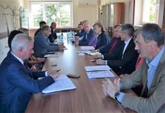 Władze powiatu, burmistrzowie, wójtowie i przedstawiciele jednostek samorządu.