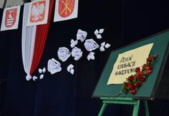 Dekoracja na Dzień Edukacji Narodowej. (link otworzy duże zdjęcie)