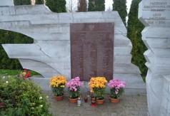 Pomnik poświęcony Prezydentowi Lechowi Kaczyńskiemu.