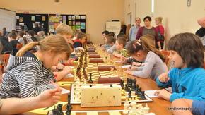 Nawet najmłodsi szachiści muszą umieć zapisać partię. Regulamin tego wymaga…