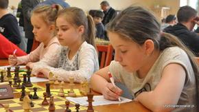 Młode szachistki z MDK Radom są naszą wielką nadzieją na …parytet w szachach.