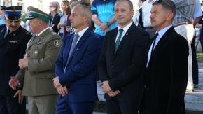 Przewodniczący Rady Miejskiej Artur Koniarczyk, Burmistrz Szydłowca Artur Ludew, Radny Miejski Marek Pl