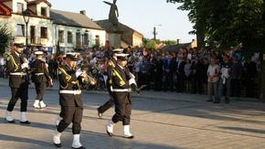 Orkiestra Morskiego Oddziału Straży Granicznej w musztrze paradnej