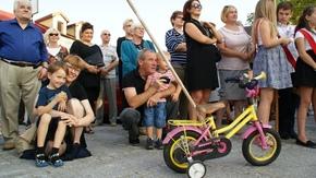 najmłodsi przyjeżdżali m.in. na rowerach po to by zobaczyć orkiestrę