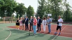 zawodników i gości przywitała Joanna Strzelecka, Naczelnik Wydziału Edukacji, Zdrowia, Kultury i Spor