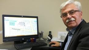 Geodeta Powiatowy Tadeusz Szewczak jest źródłem wiedzy i wparciem personalnym systemu Geoportal