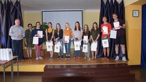wolontariusze i organizatorzy akcji #komórkomania w ZSO imienia Henryka Sienkiewicza w Szydłowcu