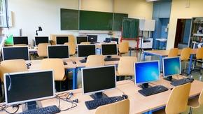 przykładowa sala komputerowa