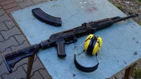 karabin AK 47 czyli popularny kałasznikow