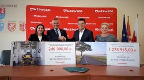 Wicemarszałek Rafał Rajkowski z przedstawicielami samorządu powiatowego Starostą Szydłowieckim