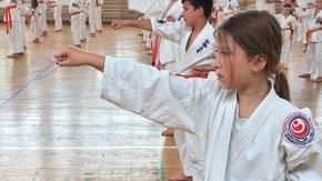 Grupa od 10.1 - 8.1 kyu zdawała na hali sportowej w Zespole Szkół imieniem Jana Pawła II