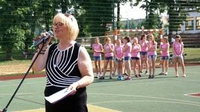Joanna Strzelecka, Naczelnik Wydziału Edukacji, Zdrowia, Kultury i Sportu wita zebranych gości