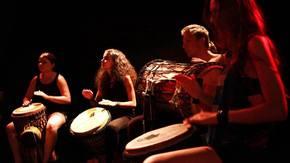 warsztaty otwartości scenicznej prowadzone przez Studium Instrumentów Etnicznych, fot.SIE