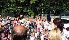 Barwny festyn integrujący całe rodziny (link otworzy duże zdjęcie)