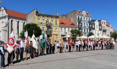 IX Ogólnopolski Zlot Szkół im. Powstańców Wielkopolskich (link otworzy duże zdjęcie)