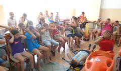 Pokazy pierwszej pomocy dla półkolonistów GOSiR (link otworzy duże zdjęcie)