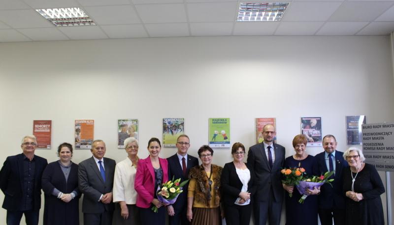 Miejska Rada Seniorów poprzedniej kadencji (link otworzy duże zdjęcie)